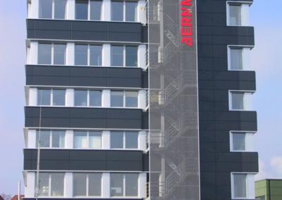 Bernmobil_Hochhaus_Fassade1